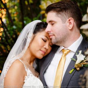 Gray gables portland wedding photography couple hugging.